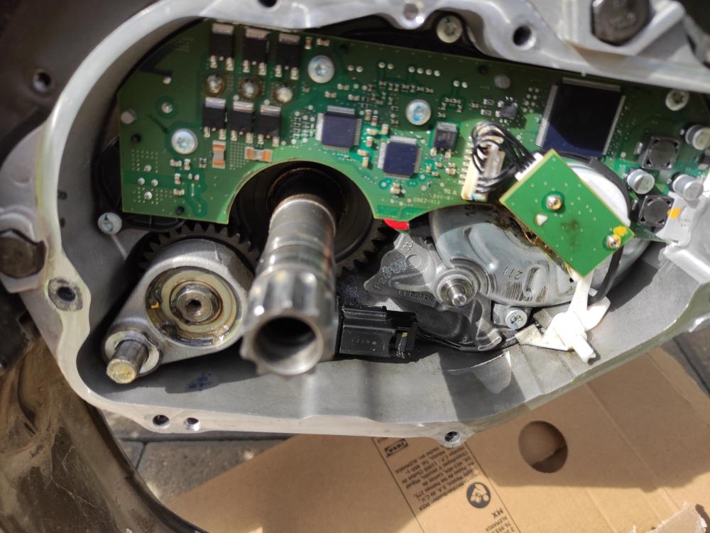 01 - Motorinspektion nach Reparatur und 3 Wochen gefahren.jpg