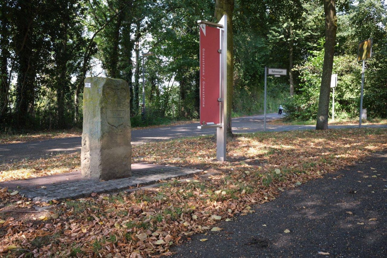 2020.08.14-0569C1 Grenzstein.jpg
