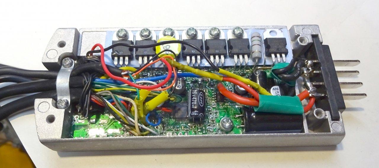 DSC01060_cr.jpg