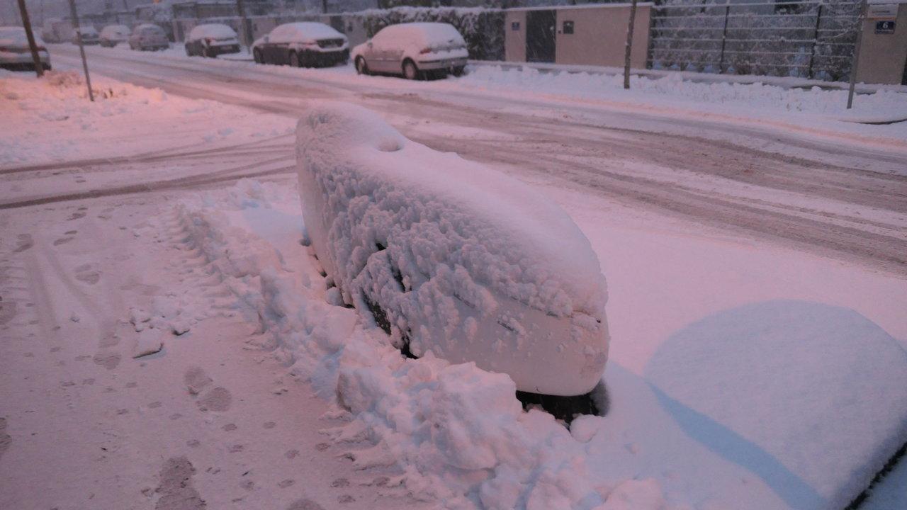 P1410591_Evo-K im Schnee.JPG